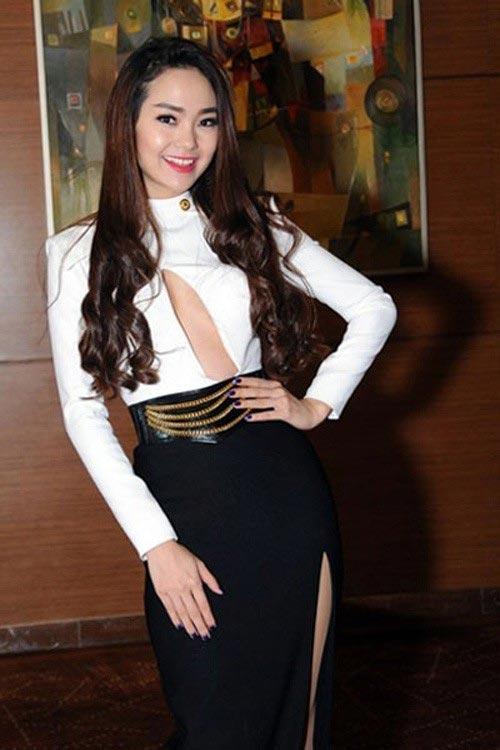 Mặc váy khoe chân ngực đẹp như Hari Won không hề khó! - 7