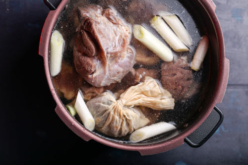 Mì bò kiểu Hoa ngon xuýt xoa, ăn là ghiền - 7