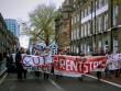 """Sinh viên Anh biểu tình phản đối giá thuê ký túc xá """"cắt cổ"""""""