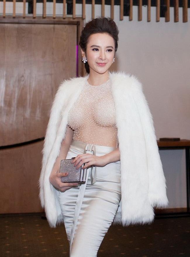 """Không chỉ nổi tiếng, xinh đẹp và giàu có, """"bà mẹ nhí"""" Angela Phương Trinh còn khiến nhiều chị em phụ nữ ngưỡng mộ khi có số đo 3 vòng """"chuẩn từng centimet""""."""