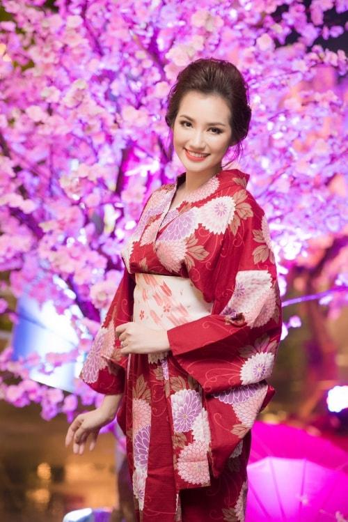 HH Mỹ Linh, Hari Won diện kimono đẹp tựa gái Nhật - 4