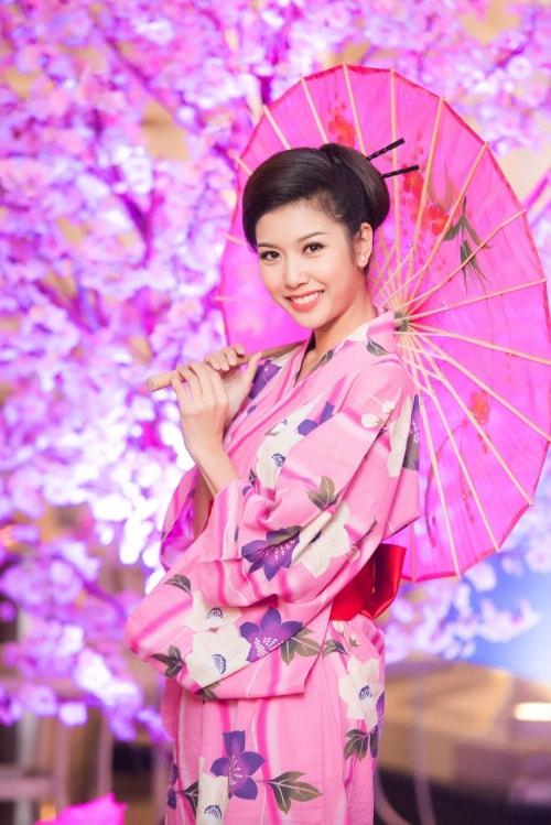 HH Mỹ Linh, Hari Won diện kimono đẹp tựa gái Nhật - 6