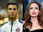 C. Ronaldo đóng phim với Angelina Jolie