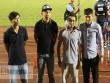 """Khán giả tố đội bóng của Công Vinh bị """"nhầm"""" vụ trao thưởng"""