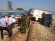 Hiện trường vụ tàu hỏa tông xe ben 3 người chết ở Huế