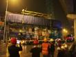 Cận cảnh cẩu tàu Cát Linh – Hà Đông lên đường ray trong đêm