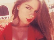 Cô gái xinh đẹp bị sếp sa thải vì lý do không tưởng