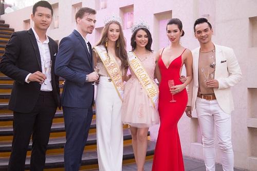"""Hà Anh """"rực lửa"""" lấn át cả Hoa hậu Toàn cầu 2016 - 4"""