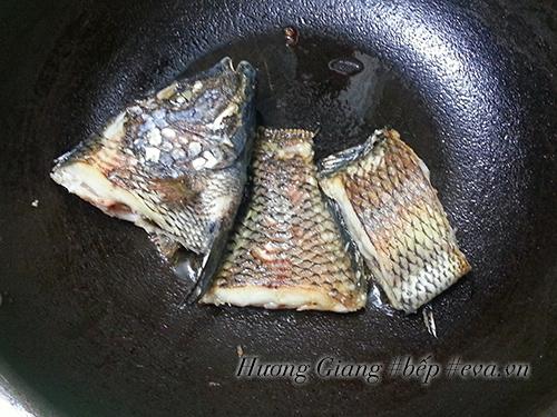 Không ngờ kho cá kiểu này lại ngon và tốn cơm đến thế - 2