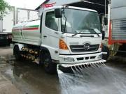 Hà Nội tốn 70 tỉ đồng để rửa đường mỗi năm