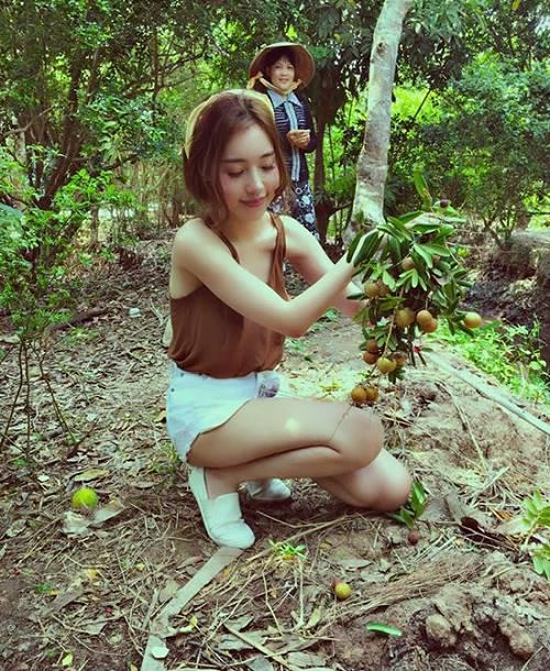 Elly Trần khiến fan ngỡ ngàng với ảnh gái quê thứ thiệt - 12