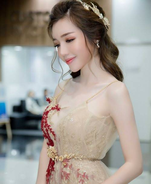 Elly Trần khiến fan ngỡ ngàng với ảnh gái quê thứ thiệt - 11