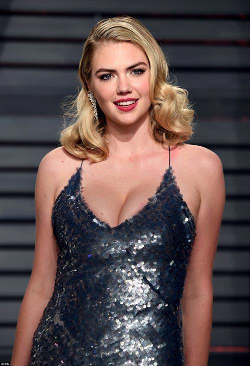 """""""Ngạt thở"""" vì vẻ đẹp phồn thực của mỹ nữ tại tiệc Oscar - 4"""