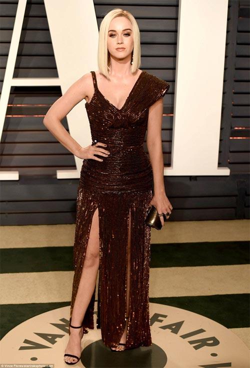 """""""Ngạt thở"""" vì vẻ đẹp phồn thực của mỹ nữ tại tiệc Oscar - 7"""