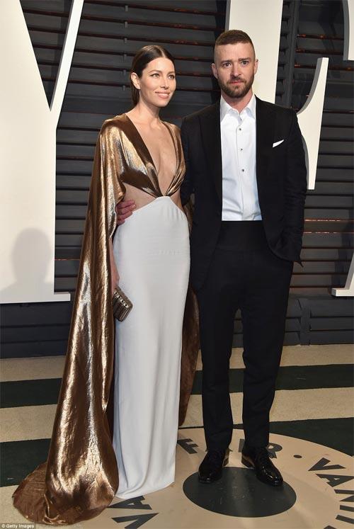 """""""Ngạt thở"""" vì vẻ đẹp phồn thực của mỹ nữ tại tiệc Oscar - 6"""