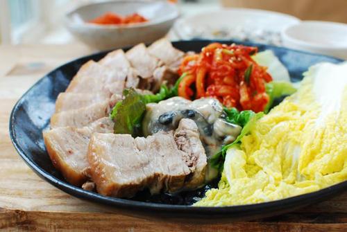 Thịt lợn luộc kiểu này đảm bảo ăn hoài không ngán - 1