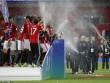 Tin HOT trưa 27/2: Giành League Cup, MU bỏ xa Liverpool