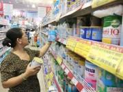 Thị trường - Tiêu dùng - Công ty sữa phải kê khai giá bán buôn, bán lẻ tối đa cho người dùng