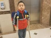 HS bị gãy chân ở trường Nam Trung Yên đã trở lại lớp
