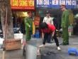 Vứt rác ra vỉa hè, một hộ dân ở HN bị phạt 6 triệu