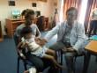 Kỳ lạ: Bé gái suýt chết vì mắc hội chứng thích ăn tóc