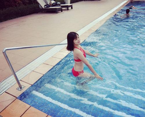 """Hoàng Yến Chibi đi bơi ngày càng """"bỏng mắt"""" - 6"""