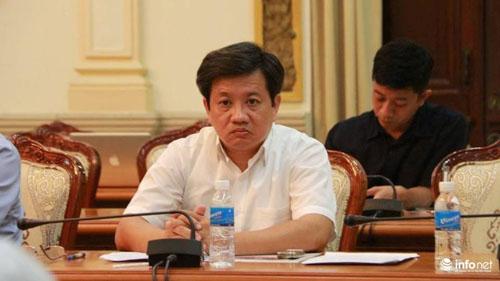 Ông Đoàn Ngọc Hải trầm tư trong phiên họp của TP.HCM về vỉa hè - 1