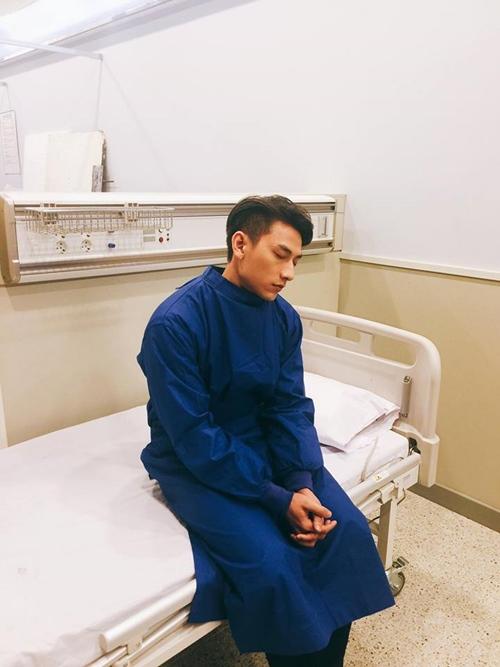 Isaac khiến fan lo lắng với ảnh cấp cứu ở Hàn Quốc - 1