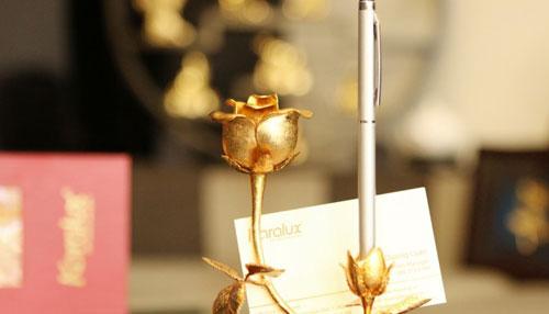 Bông hồng vàng tặng nữ doanh nhân ý nghĩa trong dịp 8/3 năm nay - 3
