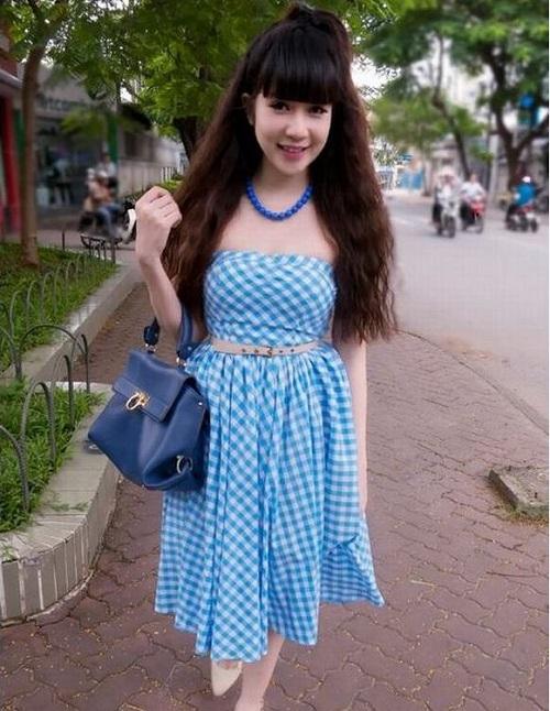 Vợ Lý Hải trông như gái 20 khi mặc xì-tin, eo ót thế này - 7