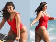 Thời trang - Đỏ mặt vì áo tắm khoét hông của mẫu béo đẹp nhất Mỹ
