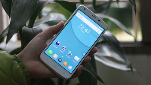 Điện thoại DCO T6 pin khỏe thu hút người dùng - 3