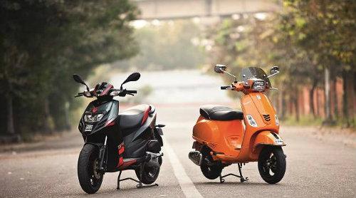 Thích xe ga nên mua Aprilia SR150 hay Vespa SXL150? - 2
