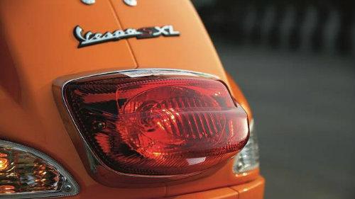 Thích xe ga nên mua Aprilia SR150 hay Vespa SXL150? - 9