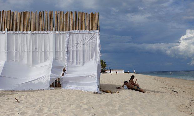 Vua Saudi nghỉ mát, biển Indonesia rầm rập như tập trận - 2