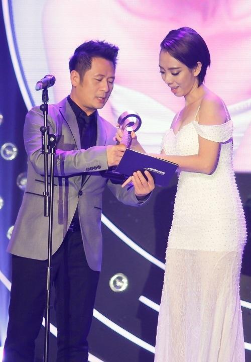 """""""Mắt tròn mắt dẹt"""" vì vẻ gợi cảm đời thường của hoa hậu hài Thu Trang - 3"""