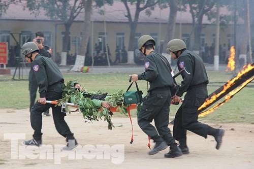 Mục kích nội công phi thường của cảnh sát đặc nhiệm - 11