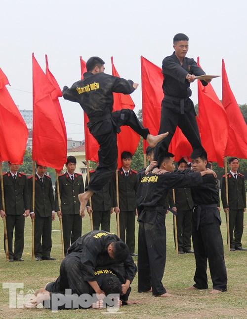 Mục kích nội công phi thường của cảnh sát đặc nhiệm - 3
