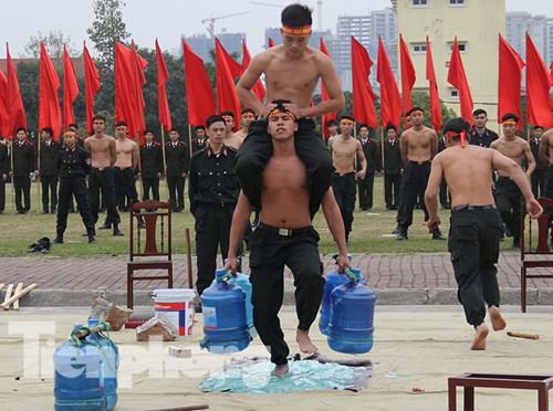 Mục kích nội công phi thường của cảnh sát đặc nhiệm - 4