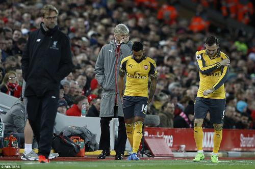 Lại thua Liverpool, Wenger phủ nhận ruồng rẫy Sanchez - 1