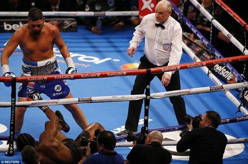 Boxing: David Haye thua tâm phục khẩu phục đàn em - 4