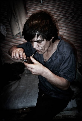 """Cựu tù kể trải nghiệm ở nhà ngục """"điên rồ nhất thế giới"""" - 6"""