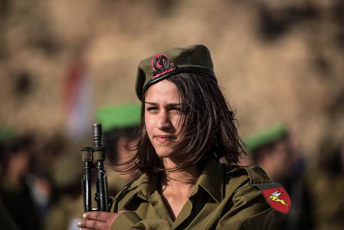 Vẻ đẹp của các bóng hồng Israel trước khi ra chiến trường - 5