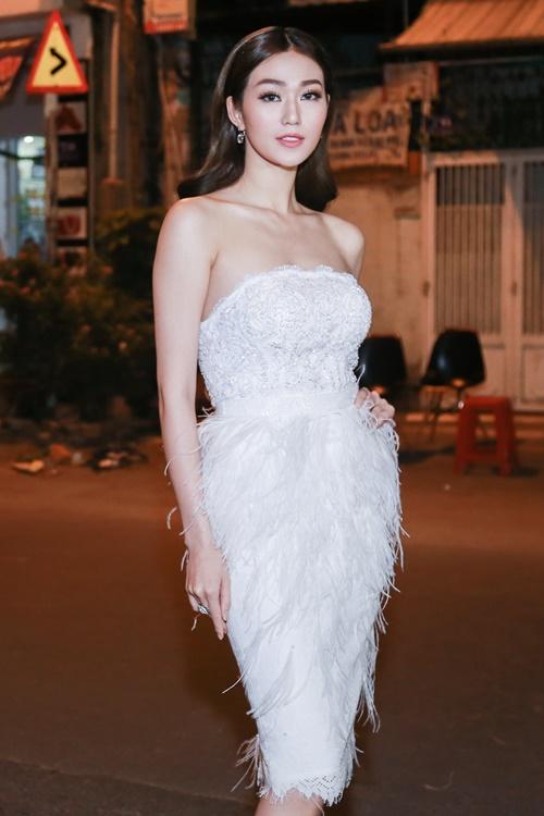 Dương Cẩm Lynh tự tin khoe vóc dáng đã giảm 22 kg - 5