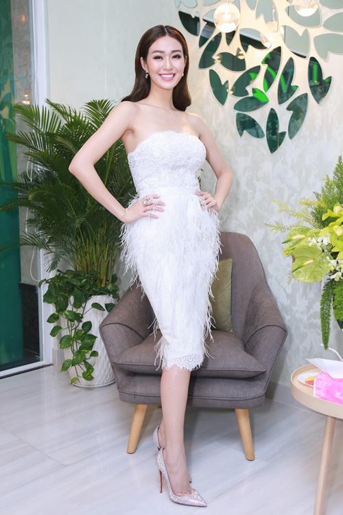 Dương Cẩm Lynh tự tin khoe vóc dáng đã giảm 22 kg - 7