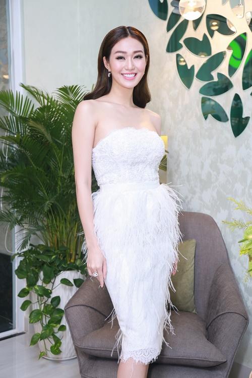 Dương Cẩm Lynh tự tin khoe vóc dáng đã giảm 22 kg - 6