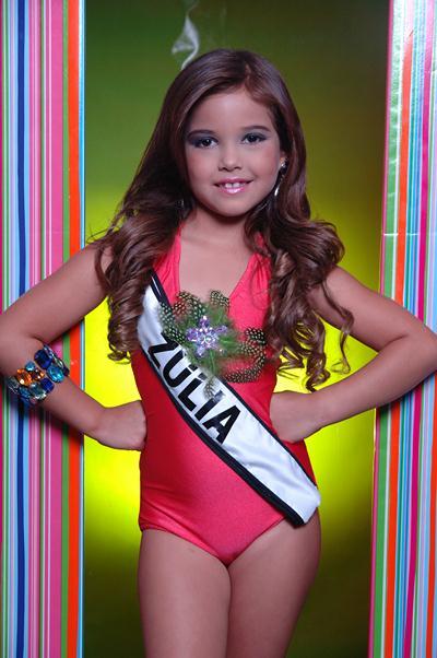 Choáng trước màn diễn áo tắm của các bé gái Venezuela - 3