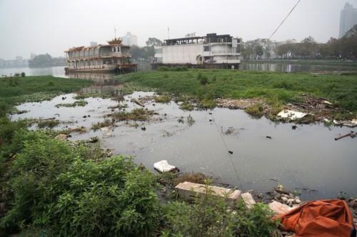 Hồ Tây hôi thối, ngập rác sau khi tháo dỡ nhà hàng nổi - 10