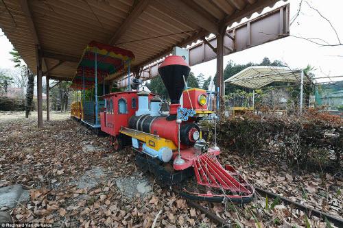 Rợn người các công viên giải trí bỏ hoang ở Nhật - 7