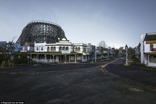 Rợn người các công viên giải trí bỏ hoang ở Nhật - 12